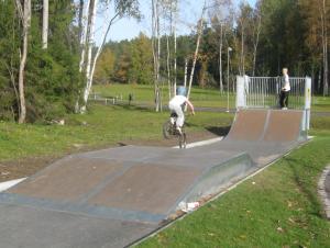 111009_Erik_cykelhoppar