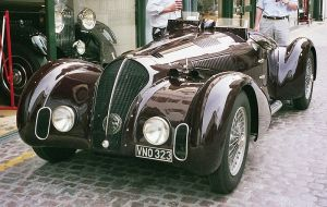 800px-Coys_vintage_car_501593_fh000035