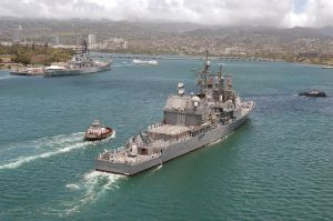 USS_Vincennes_at_Pearl_Harbor