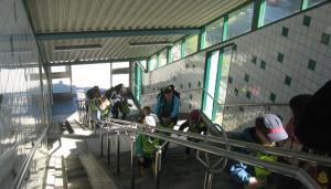 150507_Pendeltågstationstrappa_förskolebarn