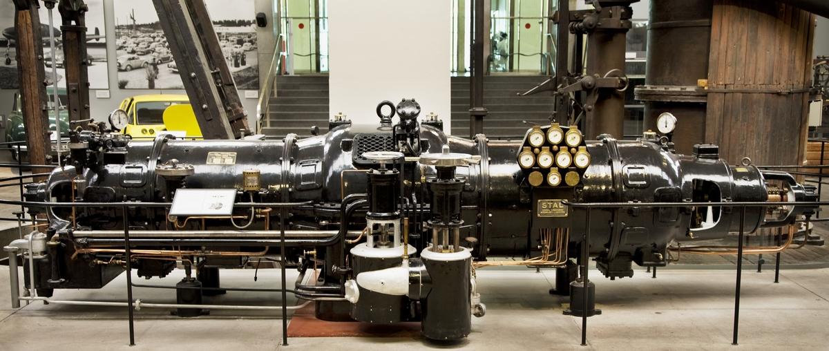 STAL_mottrycks_ångturbin,_Tekniska_museet,_Stockholm